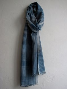 Handwoven striped scarf in linen and indigo. by byrios.