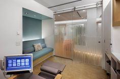 Private chemo/infusion suite at MSKCC - LOVE This for typical exam room.