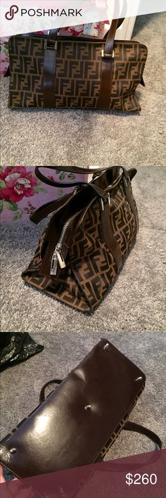 """Vintage Fendi Handbag 🌹 Mint Condition Fendi Zucca. Beautiful bag. Bought at an estate auction. Dimensions are 14"""" length x 8"""" height and opens up to 11.5"""". All reasonable offers considered. Fendi Bags"""