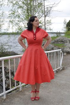 50s style dress in coral and red plaid cotton with a swing skirt, Made to order, sizes US 4-14. €125,00, via Etsy.
