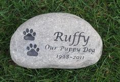 Custom Pet Memorials for Dog or Cat by mainlinedesigns on Etsy, $64.99