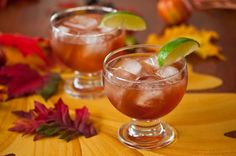 Make entertaining a cinch with simple cocktail recipes you can throw together in no time. Whether planning a summer fete or winter gathering, we have the right cocktail for your party. Thanksgiving Cocktails, Holiday Cocktails, Thanksgiving Table, Thanksgiving Recipes, Refreshing Drinks, Fun Drinks, Alcoholic Beverages, Party Drinks, Mixed Drinks