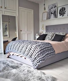 Awesome Deco Chambre Rose Et Gris Adulte that you must know, You?re in good company if you?re looking for Deco Chambre Rose Et Gris Adulte Room, Room Design, Home Decor Bedroom, Bedroom Diy, Home Decor, Winter Bedroom, Modern Bedroom, Small Bedroom, Bedroom