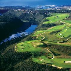 I'm not much for golf but I would like to golf here! The Caribbean!