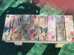 Dollar store napkins decoupage on primitive table. Decopage Wood, Decopage Furniture, Hand Painted Furniture, Recycled Furniture, Diy Furniture, Napkin Decoupage, Decoupage Paper, Stencil Painting, Painting On Wood