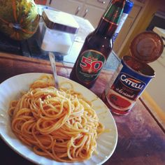 No complex here Beer Bottle, Good Food, Ethnic Recipes, Healthy Meals, Eating Well
