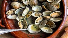 Steamed Clams With Spring Herbs - Recipes - The New York Times