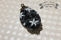 collier pendentif petites fleurs de la boutique Elyfaelle sur Etsy