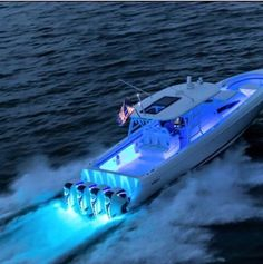 Awesome underwater lights on this large center console.