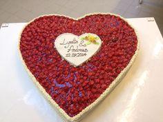 Big Strawberry Weddingcake Heart