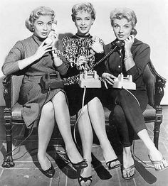 Before Barbara Eden was Jeanie, she was a co-star on the TV series 'How To Marry A Millionaire' that stared Lori Nelson, Merry Anders along with Barbara Eden - the plot was based on the hit movie of the same name. That's Barbara Eden in the middle here. Barbara Eden, I Dream Of Jeannie, Hits Movie, Jennifer Connelly, Tv Land, Best Black, Just Girl Things, Love Movie, Classic Tv