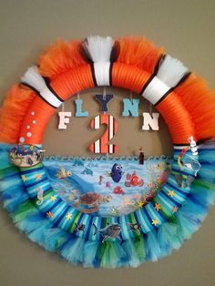 DIY Finding Nemo birthday tulle wreath.  Very easy!