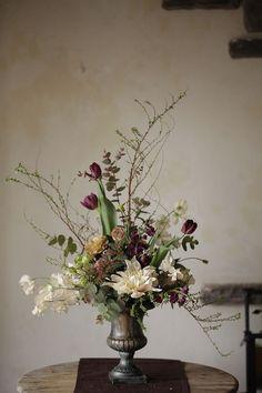 Vintage Flower Arrangements, Church Flower Arrangements, Vase Arrangements, Beautiful Flower Arrangements, Flower Centerpieces, Flower Vases, Flower Decorations, Beautiful Flowers, Orchid Flowers
