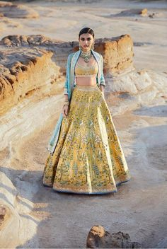 all about clothing 10 Bridal Lehenga Designs for Every Style of Indian Wedding_Anita Dongre Drill Bu Indian Attire, Indian Ethnic Wear, Indian Formal Wear, Indian Suits, Latest Bridal Lehenga, Floral Lehenga, Belle Silhouette, Mehendi Outfits, Anita Dongre
