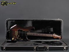 1982 Fender Walnut Stratocaster (The Strat) ...rare !!!