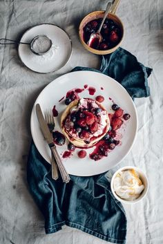Orange Blossom Pancakes with Vanilla Honey Cream & Berry Compote / food photography / food stylist Menu Brunch, Brunch Recipes, Sweet Recipes, Breakfast Recipes, Brunch Food, Brunch Party, Brunch Ideas, Brunch Salad, Brunch Appetizers