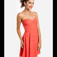 Dolce Vita Singer Coral dress Beautiful new spring/summer dress! Dress color is coral. Wear with gold accessories for a glam look! (Necklace not included) Dolce Vita Dresses
