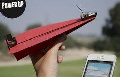 Maak van je papieren vliegtuigje een op afstand bestuurbaar vliegtuig