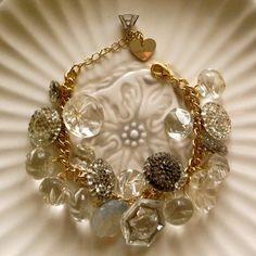Vintage buttons bracelet: inspiration for DIY