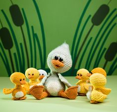 The ugly duckling - amigurumi pattern out of the book 'Amigurumi Fairy Tales' - Design by Tessa Van Riet - Ernst