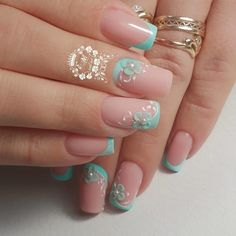 Best nail designs and tutorials for pretty, fashion nails. Classy Nails, Cute Nails, Pretty Nails, Classy Nail Designs, Nail Art Designs, Nails Design, Christmas Nail Designs, Christmas Nails, Hair And Nails