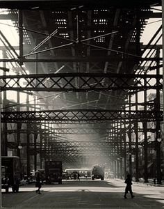 'Elevated Armiture in Harlem, by Andreas Feininger 1940