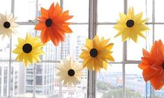 Balloons aren't just for kid's parties or the circus anymore. Make these charming balloon flowers using a grown-up color palette at your next party for big impact/low budget decor.