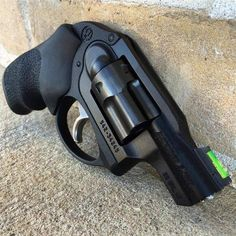 Save those thumbs Weapons Guns, Guns And Ammo, Protection Rapprochée, 38 Special Revolver, 357 Magnum, Revolver Pistol, Custom Guns, Fire Powers, Cool Guns
