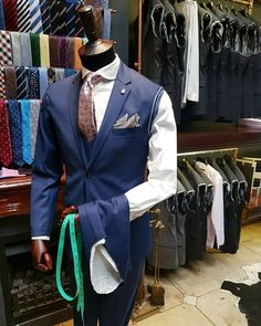 Looking for a beautifully made but cost effective suit or shirt that fits perfectly and is basically poured onto your body, to learn more… Vest, Suits, Fitness, Jackets, Beauty, Dresses, Fashion, Down Jackets, Vestidos