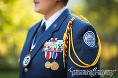 ROTC with all her medals Twin Senior Pictures, Photography Senior Pictures, Senior Photos Girls, Military Pictures, Senior Guys, Senior Year, Senior Portraits, Military Family Photography, Picture Ideas