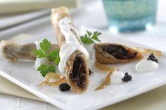 Crujientes De Brick Con Morcilla, Cebolla Caramelizada y Philadelphia Original. Recetas - recipes - food