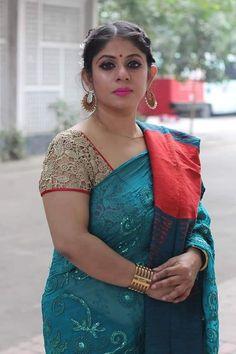 Beautiful Women Over 40, Beautiful Women Pictures, Beautiful Girl Image, Indian Actress Hot Pics, Beautiful Indian Actress, Indian Actresses, Indian Natural Beauty, Indian Beauty Saree, Thick Girl Fashion