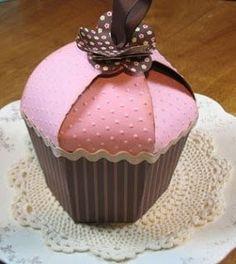 Коробочка в виде кекса. Шаблон.