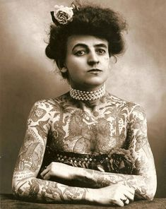 Maud Wagner, the first known female tattoo artist, also covered her own body with tattoos. (1907)