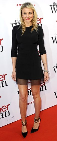 cameron diaz outfits best outfits - Page 37 of 100 - Celebrity Style and Fashion Trends Little Black Dress Outfit, Black Dress Outfits, Star Fashion, Fashion Models, Cameron Diaz Style, Black Dresses Online, Look 2017, Frack, Look Chic