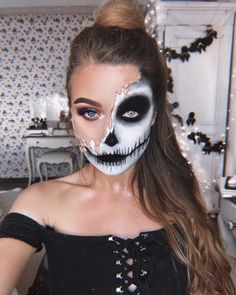 This Girl Can Turn Into Anything and Here Are Her 20 Best Halloween Makeup This is Monika, a makeup artist who lives in Vilnius, Lithuania Amazing Halloween Makeup, Pretty Halloween, Halloween Eyes, Creative Eye Makeup, Skull Makeup, Makeup Eyes, Fantasy Makeup, Makeup Inspiration, Lithuania
