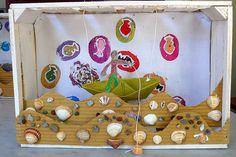 sealife - collaborative way to share what we learned and collected at the beach Crafts For Kids, Arts And Crafts, Ocean Crafts, Fun Fair, Craft Club, Classroom Fun, Cardboard Crafts, Recycled Art, Felt Toys
