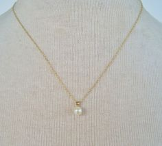 Vintage 1985 Traditional Preppy VERY RARE Signed Avon Pearlustre Pendant Goldtone Chain Necklace by ThePaisleyUnicorn, $20.00