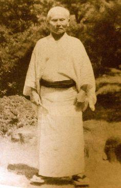 Shotokan Karate, Self Defense Tips, Kendo, Wing Chun, Aikido, Dojo, Taekwondo, Tai Chi, Muay Thai