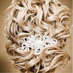 Wedding hair. Want it.
