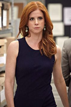 Sarah Rafferty talks about the USA series Suits, learning about Donna and Harvey's history, and more. Suits Tv Series, Suits Tv Shows, Sarah Rafferty, Donna Suits, Donna Paulsen, Sarah Gray, Suits Season, Ginger Girls, Elegantes Outfit
