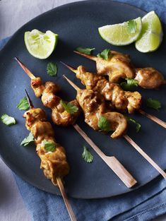 These tandoori chicken skewers make the perfect party nibble and save you a fortune in ready-made party food. Nibbles Ideas, Nibbles For Party, Party Dips, Bbc Good Food Recipes, Cooking Recipes, Yummy Food, Party Food Buffet, Chicken Skewers, Savory Snacks