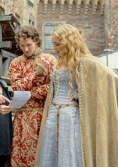 Jacob Collins -Levy and Jodie Comer as Henry VII and Elizabeth of York on the set of The White Princess