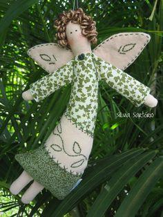 Preserve o verde ! Diy Angels, Handmade Angels, Handmade Toys, Christmas Sewing, Christmas Love, Christmas Angels, Angel Crafts, Christmas Crafts, Christmas Decorations
