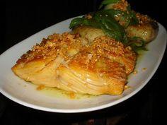 Bacalhau à lagareiro Cod Recipes, Clean Recipes, Fish Recipes, Cooking Recipes, Healthy Recipes, Confort Food, Seafood Pasta Recipes, Portuguese Recipes, Portuguese Food
