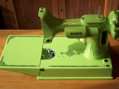 """Sublime"" custom painted Singer Featherweight sewing machine being converted to felt. Adore the green!! But would hate to give up my ""perfect straight stitch"" for felting-only."