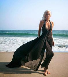Women clothing Brands - Women clothing For Summer Chic - - - Women clothing Outfits Summer - Ralph Lauren Women clothing Sport Yasmina Rossi, Silver Haired Beauties, Grey White Hair, Chic Over 50, Over 60 Fashion, Beautiful Old Woman, Ageless Beauty, Going Gray, Aging Gracefully