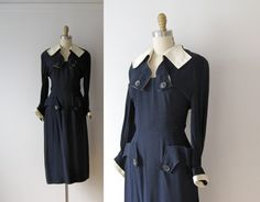 vintage dress *the button detals are killin me! How To Make Shorts, How To Wear, 1940s Dresses, White Paneling, Collar And Cuff, Dressmaking, Make Money Online, Looks Great, Vintage Fashion