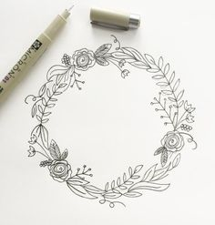 "I'm back with my third post in the ""How to Draw"" series. (You can view the first two here and here.) I love drawing wreaths but I find myself feeling really overwhelmed when I sit down to draw one. Where do I start? Too sparse? Too full? Botanical Line Drawing, Floral Drawing, Drawing Flowers, Painting Flowers, Flower Design Drawing, Cute Flower Drawing, Rose Drawing Simple, Plant Drawing, Embroidery Patterns"