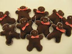 Tervetuloa tutustumaan porilaisen yhtenäiskoulun käsitöihin! Gingerbread Cookies, Crafts For Kids, Textiles, Christmas Ornaments, Holiday Decor, Barn, Teaching, Home Decor, School